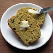 Бездрожжевой кукурузный хлеб с шалфеем и калинджи