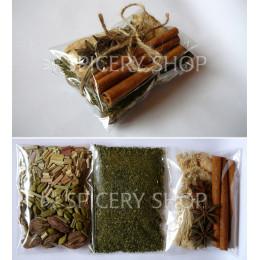 Подарочный набор пряностей для чая в трех пакетиках бандеролькой 50 г