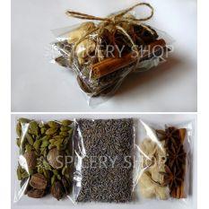 Подарочный набор пряностей для кофе в трех пакетиках бандеролькой 65 г